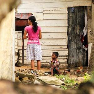Child in the slums of Sri Lanka