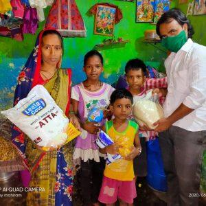 Delivering food in Patripul, India